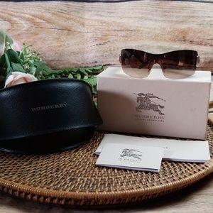 Burberry Sunglasses Novacheck Gradient 3043